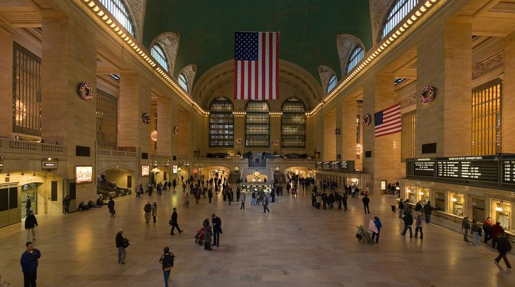 1200px-Grand_Central_Station_Main_Concourse_Jan_2006.jpg