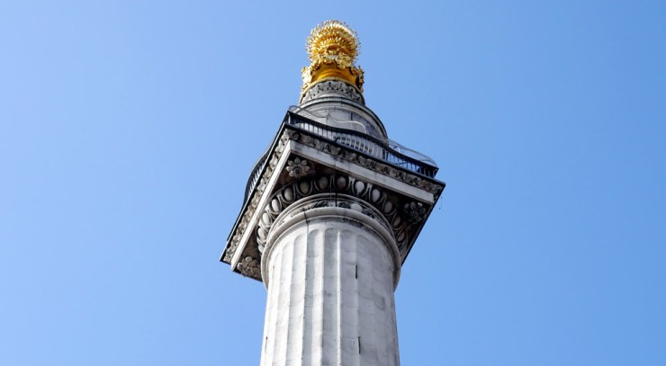 The-Monument-column-and-cage-in-the-City-of-London.jpg